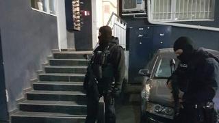 Двама задържани при опит за грабеж в Студентски град