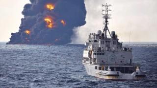 Две петролни петна с обща площ 109 кв. км след потъването на иранския танкер