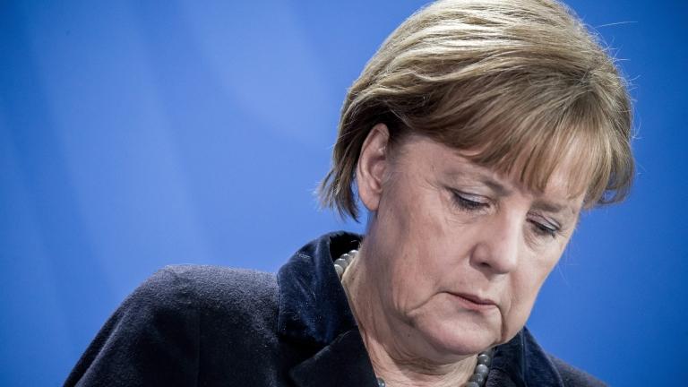 """ХДС на Меркел може да се """"разкъса"""" след призив за коалиция с крайнодесните"""