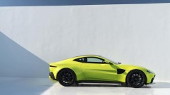 Aston Martin потвърди излизането на борсата