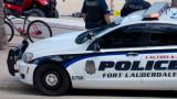 Един загинал и един ранен, след като кола се вряза в прайд парад във Флорида