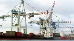 Комунисти блокираха пристанище Пирея