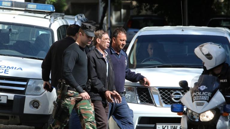 Египтянин, който отвлече самолет на EgyptAir с вътрешен полет през