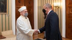 Акредитацията на Висшия ислямски институт обсъдиха Румен Радев и Мустафа Хаджи