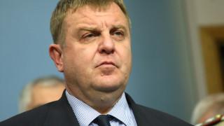 Закъснели сме с проекта за модернизация на сухопътни войски, смята Каракачанов