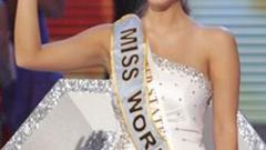 """,,Мис Свят 2010"""" Александрия Милс лъсна с голи снимки"""