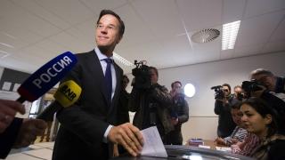 Огромното мнозинство от холандските избиратели все още се колебаят