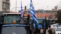Гръцките фермери остават в стачна готовност