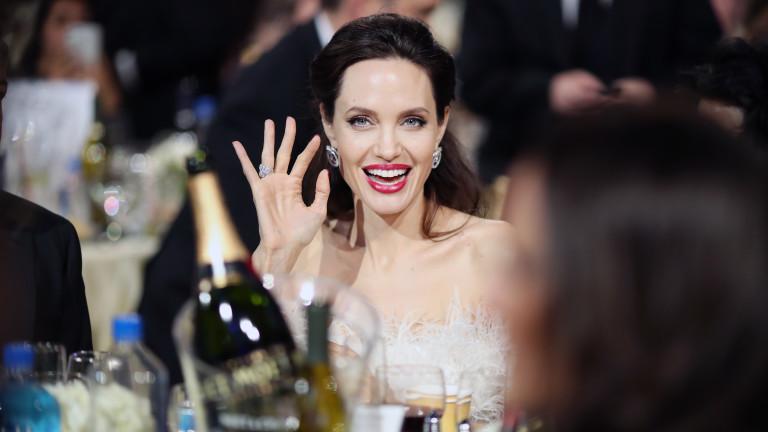 Лоша майка ли е Анджелина Джоли