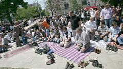 Главният мюфтия обещал на Цветанов спокойна петъчна молитва