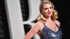 Моделът Кейт Ъптън  срещу съоснователя на Guess