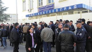 Полицаи с мълчалив протест в подкрепа на убийците на Чората