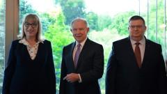 Двустранното сътрудничество обсъдиха Цацаров и Цачева с Джеф Сешънс