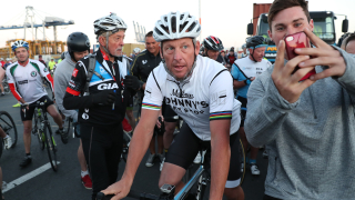Треньорът на Армстронг наказан до живот