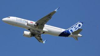Докато Boeing се бори с кризата, Китай поръча 300 самолета за €30 милиарда от Airbus