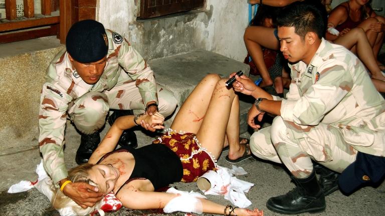 Серия от бомби в Тайланд, експлозии и на остров Пукет