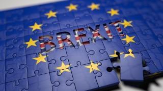 """Колко ще изгуби Великобритания при """"твърд"""" Brexit?"""