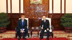 """Срещата на Тръмп и Ким Чен-ун започва със """"социална вечеря"""""""