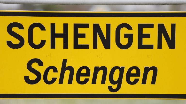 ЕП обсъжда резолюция с призив за приемането на България и Румъния в Шенген