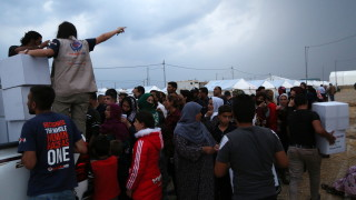Обвиняват Турция, че използва заплахи и лъжи за депортирането на сирийски бежанци