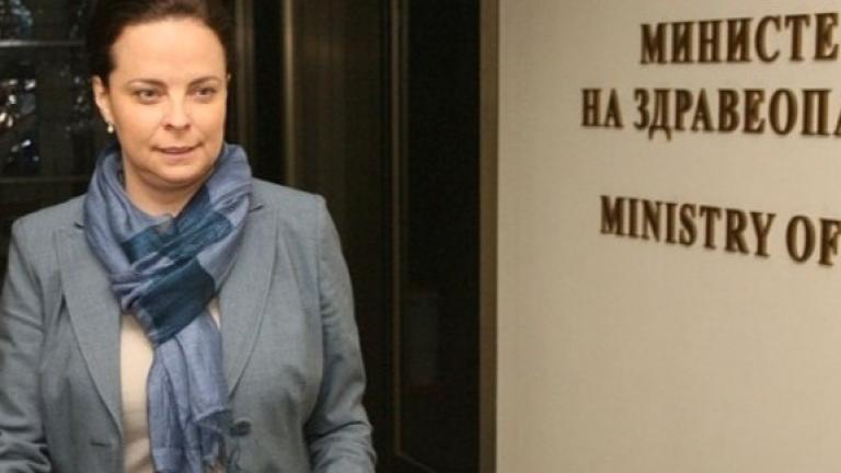 Таня Андреева не се притеснява, че здравният министър е финансист