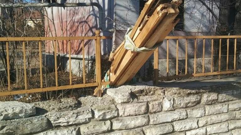 Прокуратурата се самосезира по случая с разграбването на сградата на