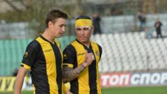 Пламен Николов подписва с Черно море за година и половина
