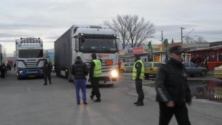 Единни управляващи и опозиция в НС в гнева си срещу гръцките блокади по границата
