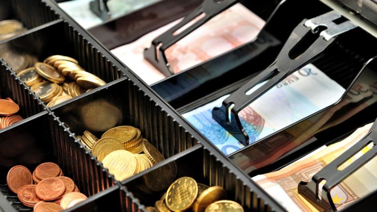 Проверки и принудително събиране на средства от касите на търговски