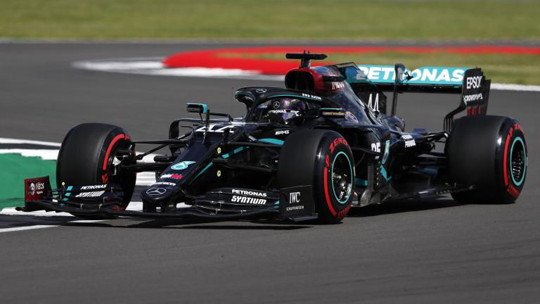 """Хамилтън смаза конкуренцията в квалификацията на пистата """"Силвърстоун"""""""