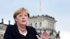 Меркел иска бързо интегриране на бежанците на трудовия пазар