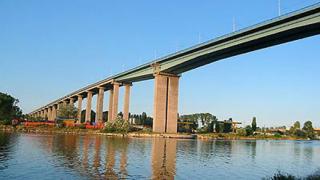 Регистрираха свлачище в основите на Аспаруховия мост