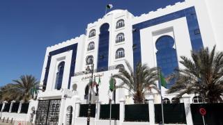 Бутефлика се завръща в Алжир