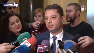 Делян Добрев пита дали президентът прикрива Йончева