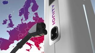 Мрежа от зарядни станции за електромобили изниква из цяла Европа