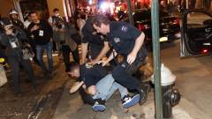 Полицията в САЩ е три пъти по-вероятно да упражни сила срещу леви протестиращи спрямо десни