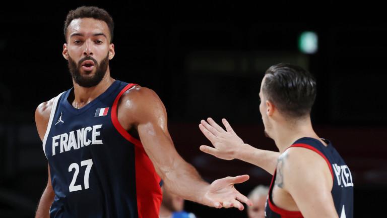 Франция се класира за полуфиналите на баскетболния турнир в Токио.