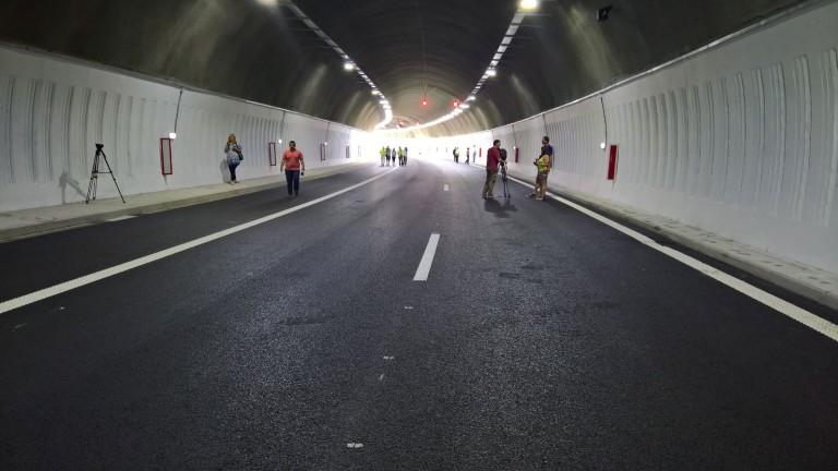 """Ограничават движението в в тунел """"Траянови врата"""""""