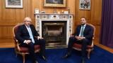 Борис Джонсън се зарича Великобритания да не въвежда проверки на границата с Ирландия