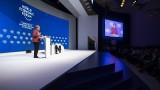Меркел вижда мрачна картина, но защити глобализацията
