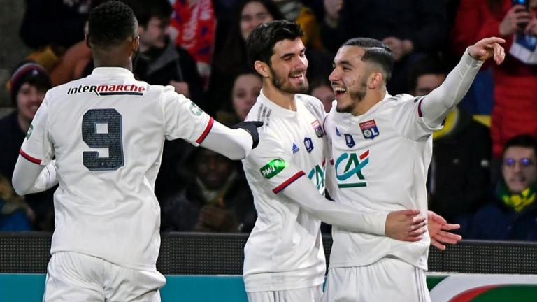 Лион на финал за Купата на Лигата след победа с дузпи срещу Лил
