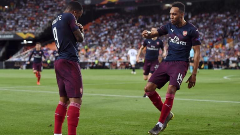 Снимка: Арсенал предлага нови договори на Лаказет и Обамеянг