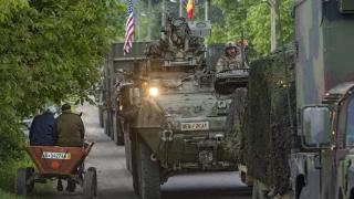 Войници и бойна техника на САЩ участват на парада в центъра на Кишинев