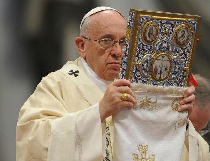 """Папата нарече """"геноцид"""" убийствата на арменци в Османската империя"""
