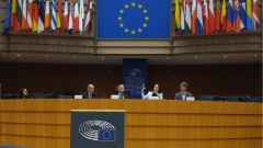 Успехът на европейската мечта е в ръцете ви, нахъсва стажантите евродепутат
