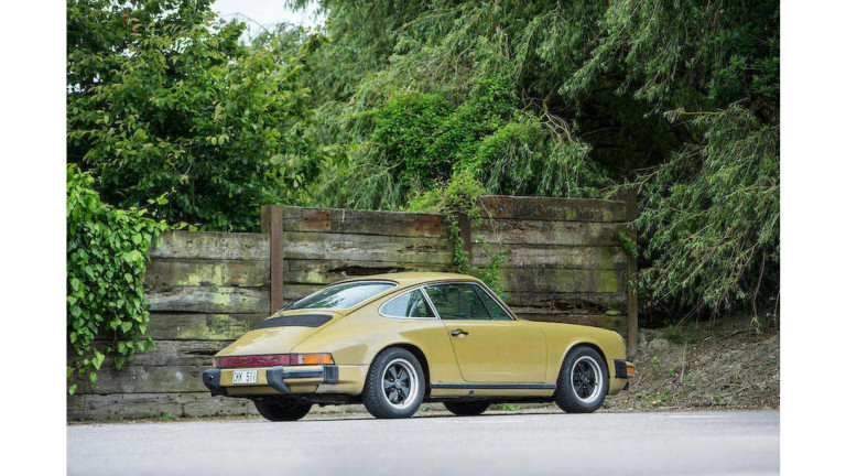 Снимка: Най-голямата винтидж колекция на Porsche в Америка е повредена от експлозия