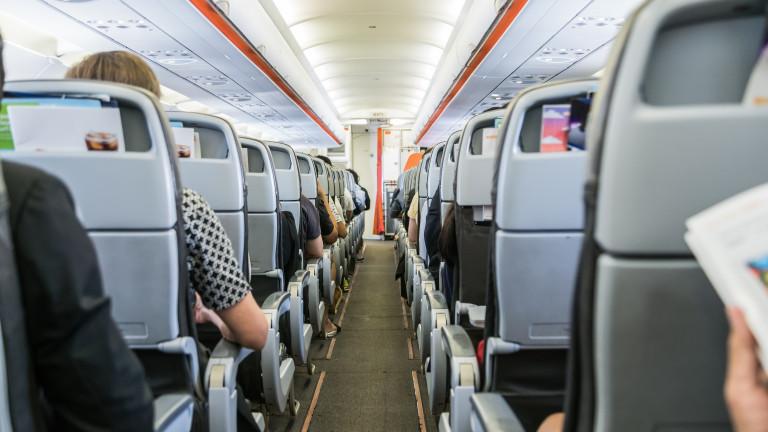 Осем самолета в Южна Америка и един в Европа кацнаха