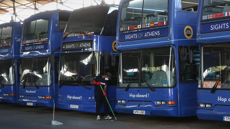 И Атина минава на електрически автобуси