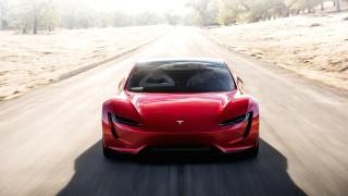 Tesla забавя Roadster