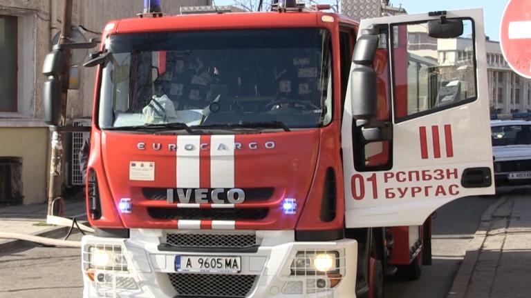 Двама души са с до 3-та степен изгаряне след катастрофа в Бургас